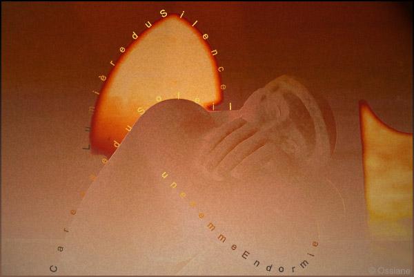 Caresse de soleil, lumière du silence, une femme endormie
